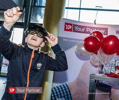 André Kuipers met virtuele astronauten in één ruimte door YP Your Partner