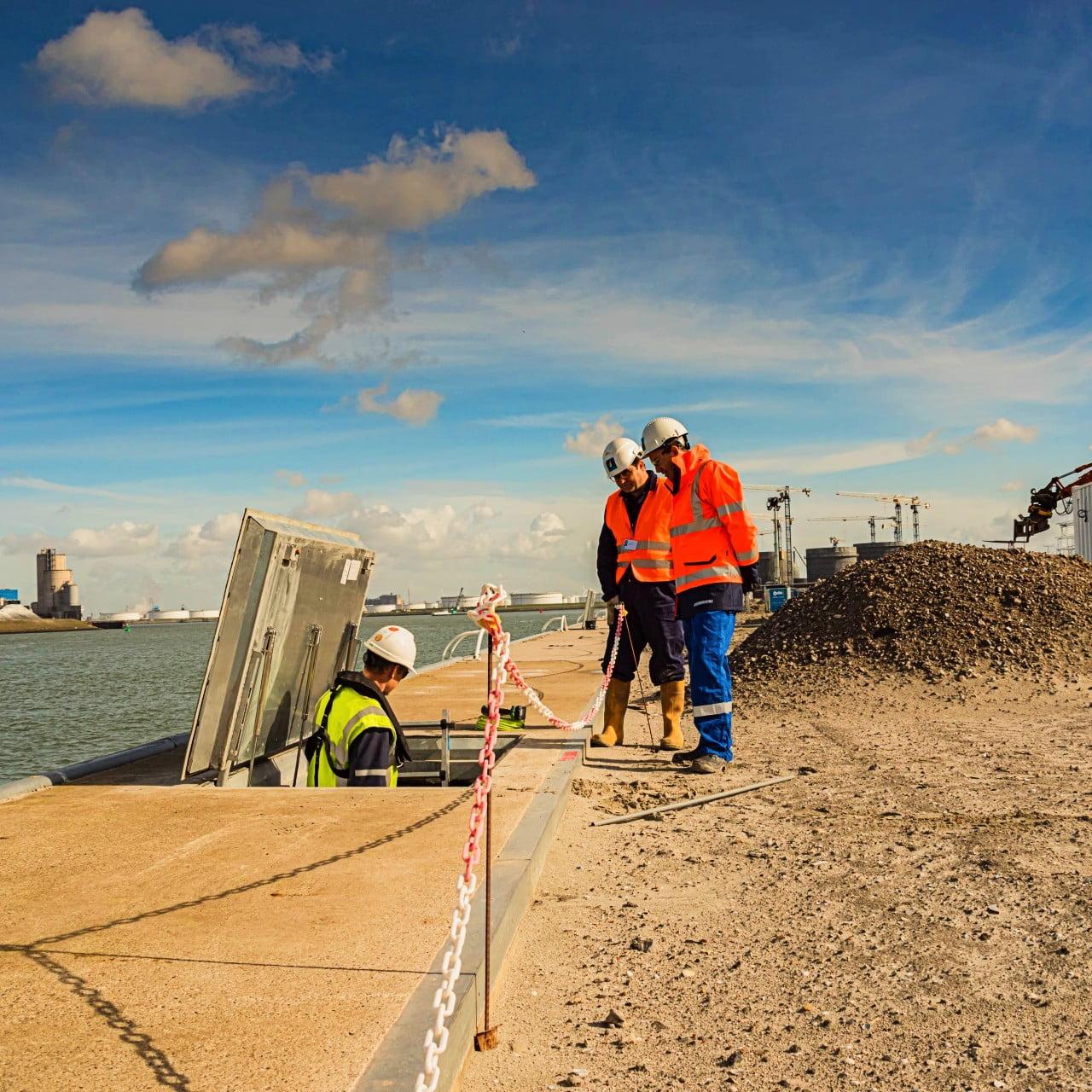 YP Your Partner en Van der Heide beschermen haven Rotterdam